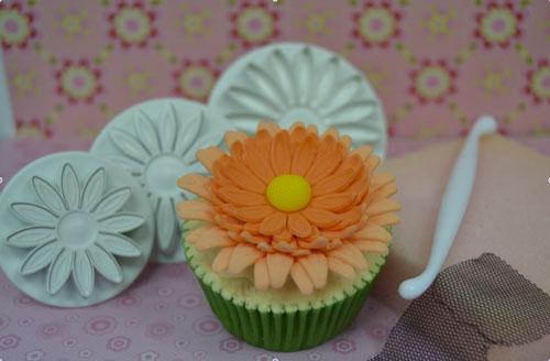 CupcakeGerbera1